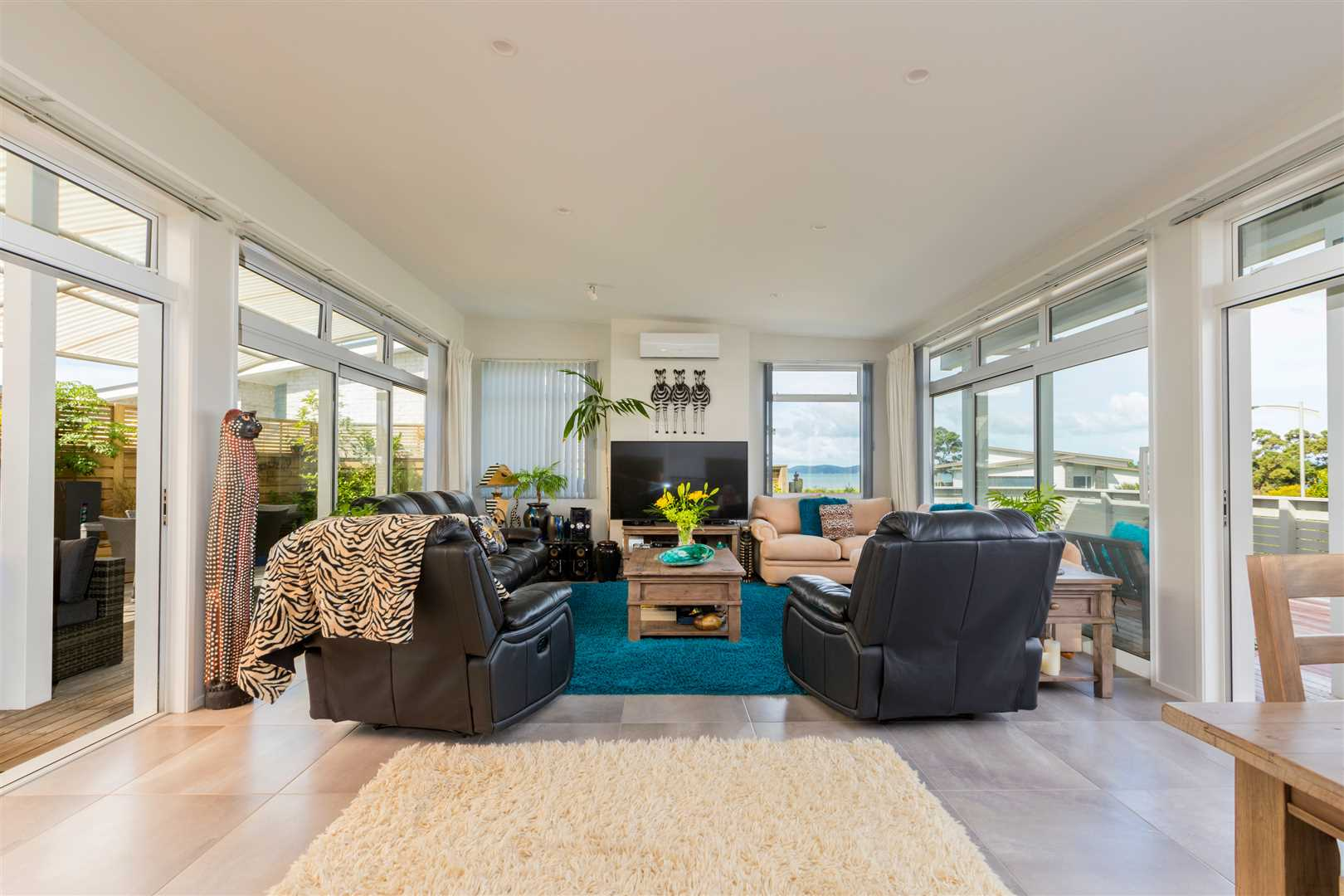 Beachside living at its best!