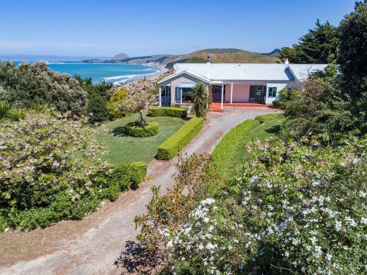 Waio House - Luxury Beach Living