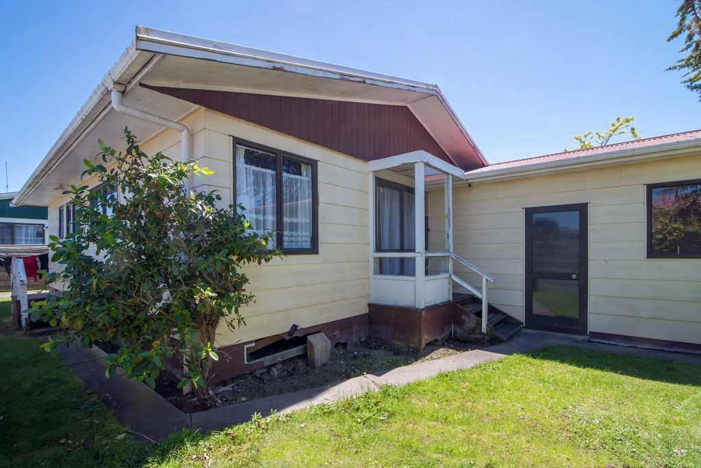 Two Bedroom Home Close To Town