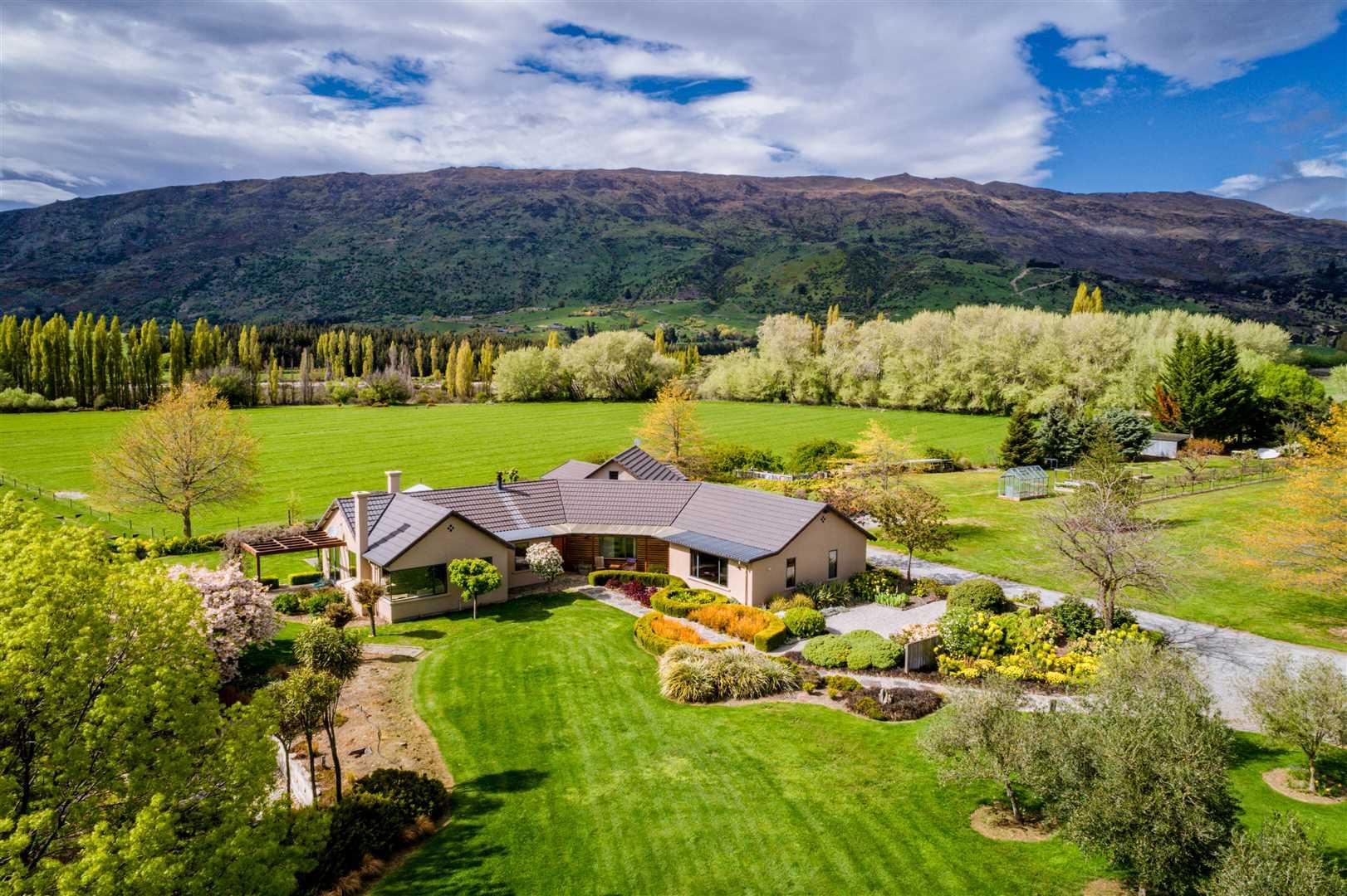 Estate Living - Urgent Sale