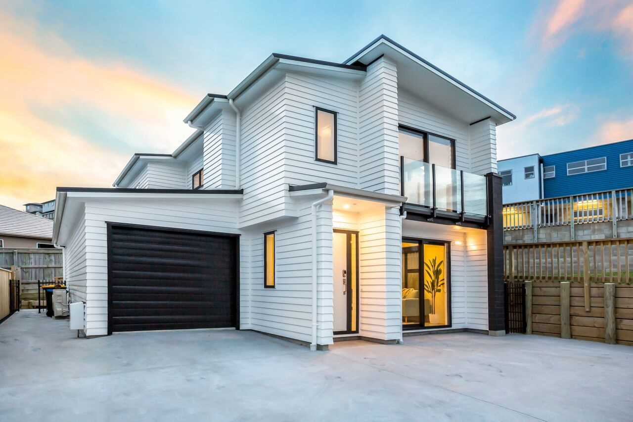 Townhouse Living in Aotea!  -  Auction