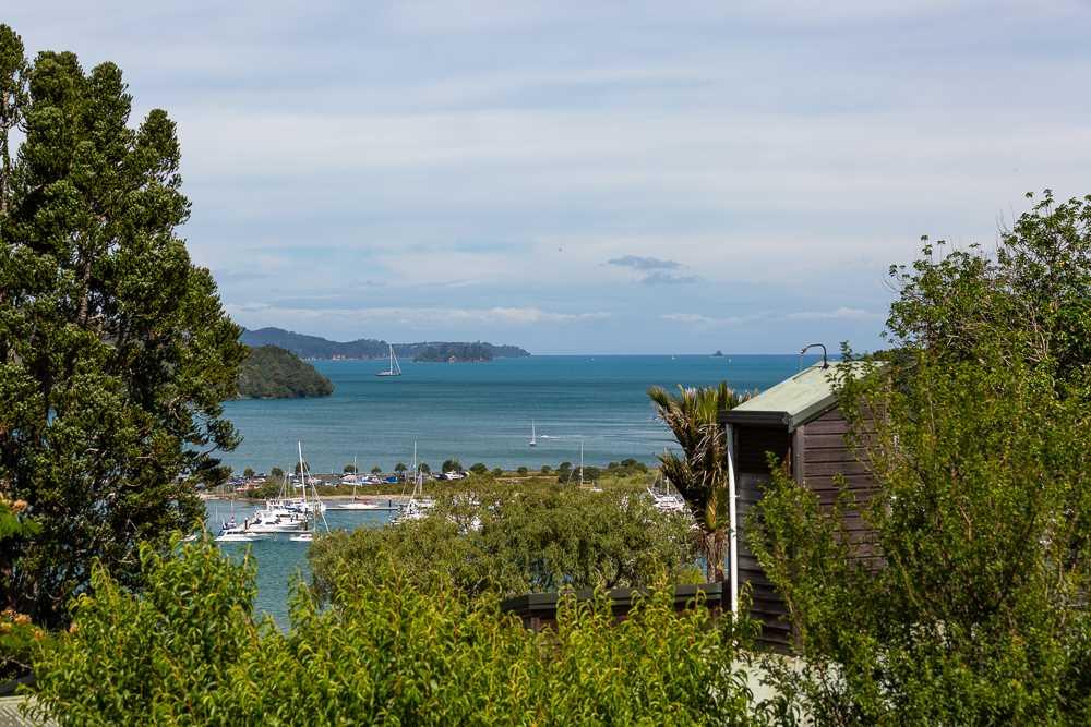 Sunshine Cottage: Coastal Haven
