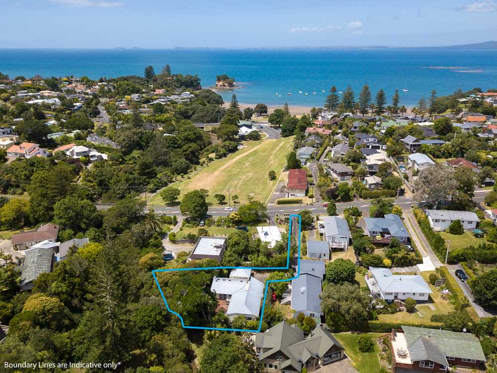 This property has an outstanding position!  Just across the road from Aicken Reserve leading you through to the sparkling waters for stunning Waiake Beach (with very cool playground!).
