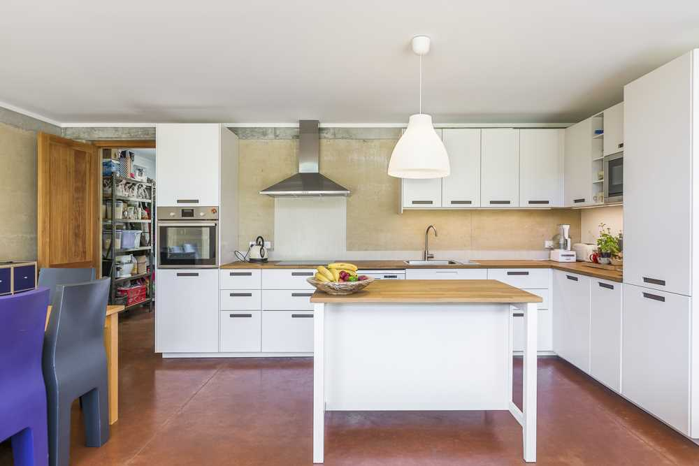 Quality Ikea Kitchen with utility Butlers pantry/laundry