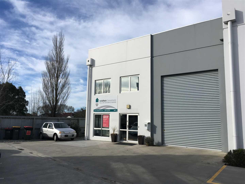 Modern warehouse/office premises on secure estate