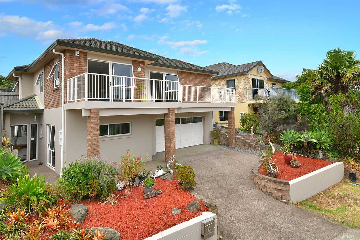 Welcome to 8 Greenway Rise - Gulf Harbour
