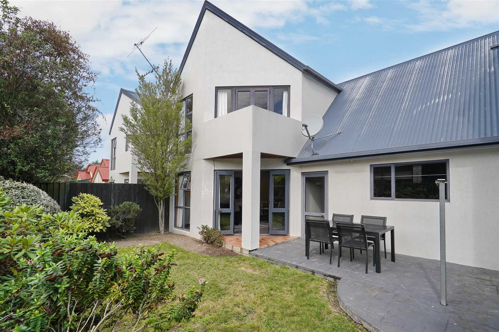 A Fantastic Location - Right In The Heart Of Riccarton