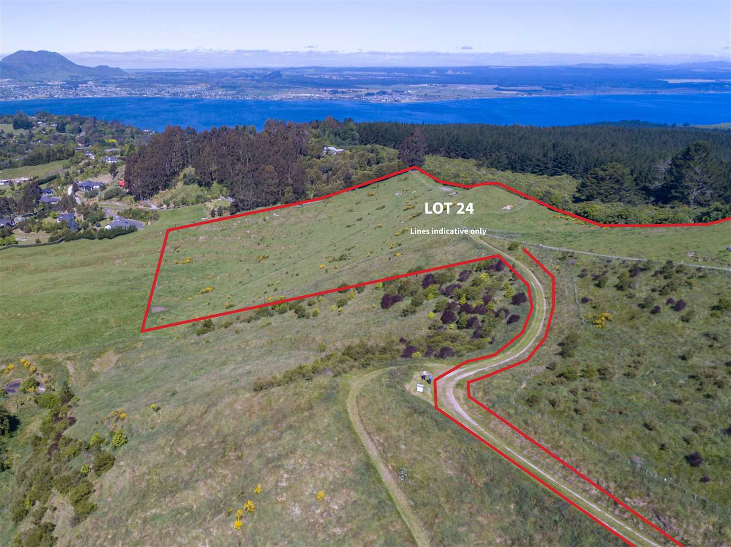 Over 7Ha of residential land with sub-division potential