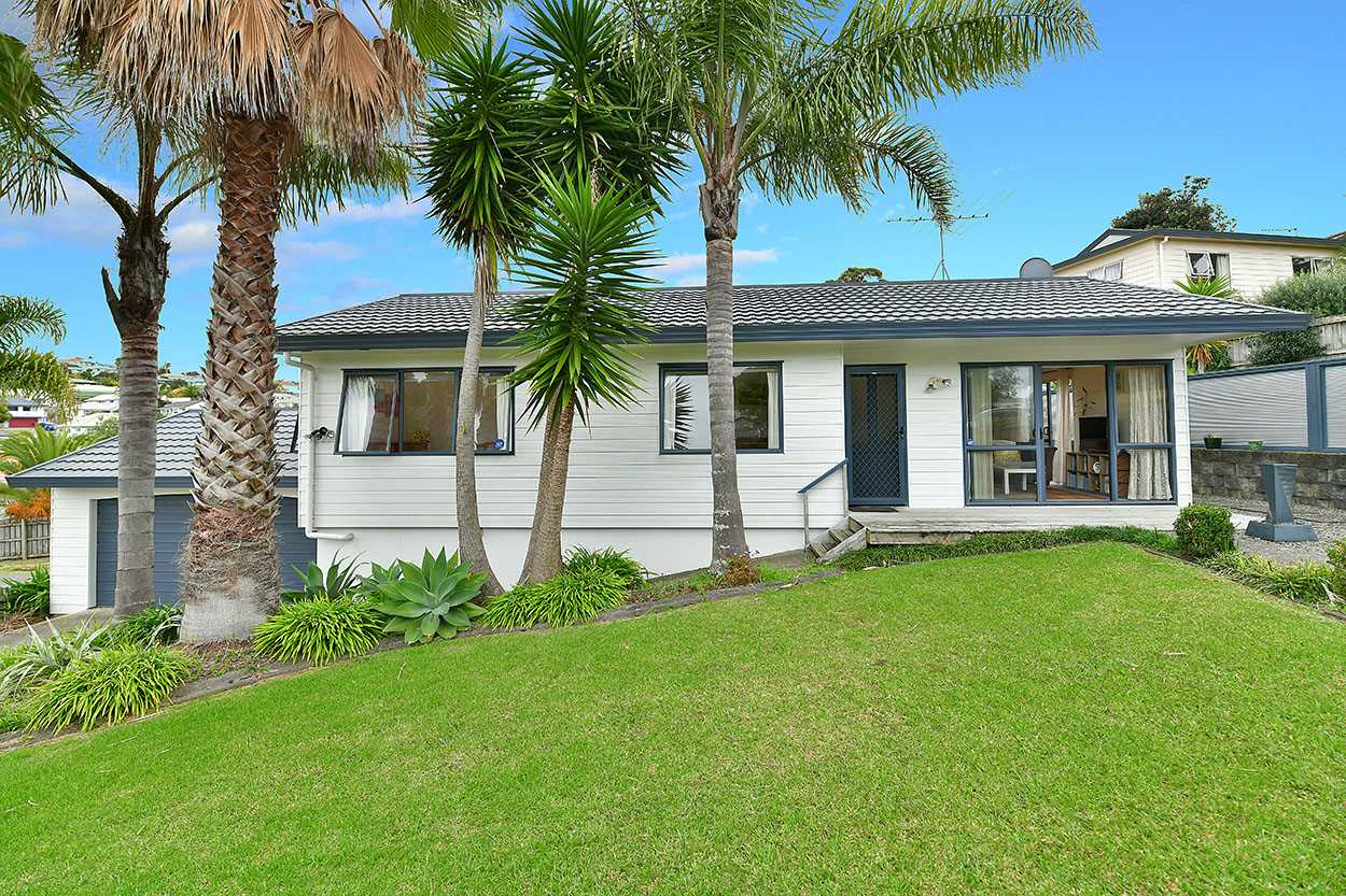 Welcome to 1/6 Knott Rd, Stanmore Bay
