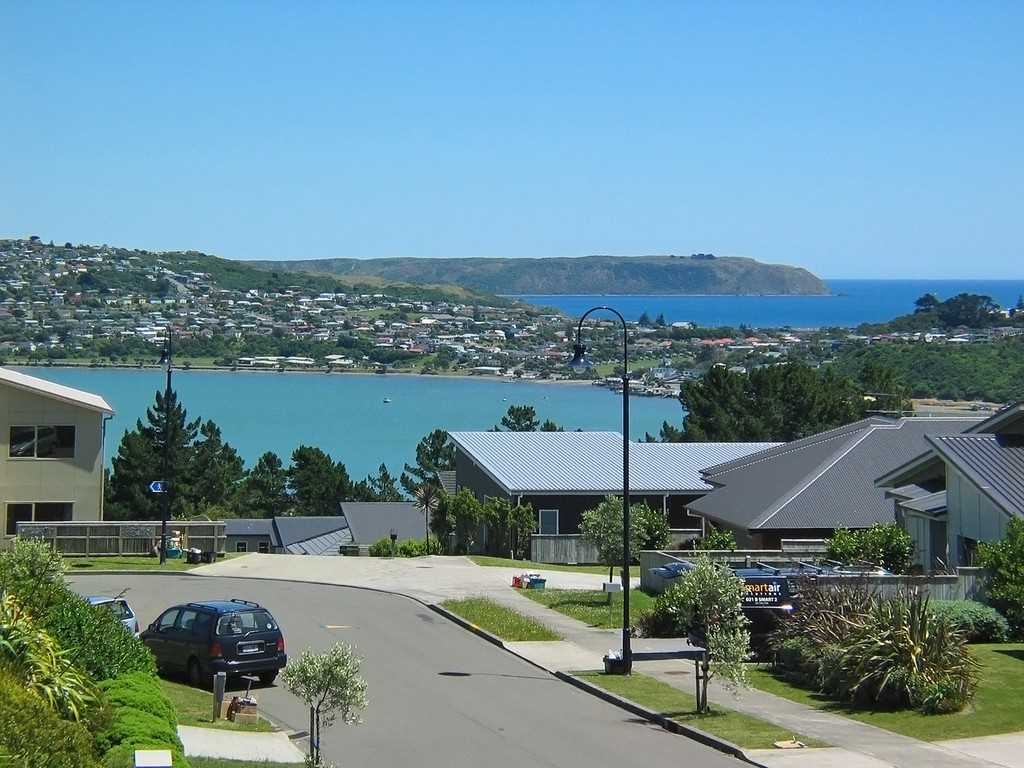 Sun, Space & Views!  -  Offers Over $935,000
