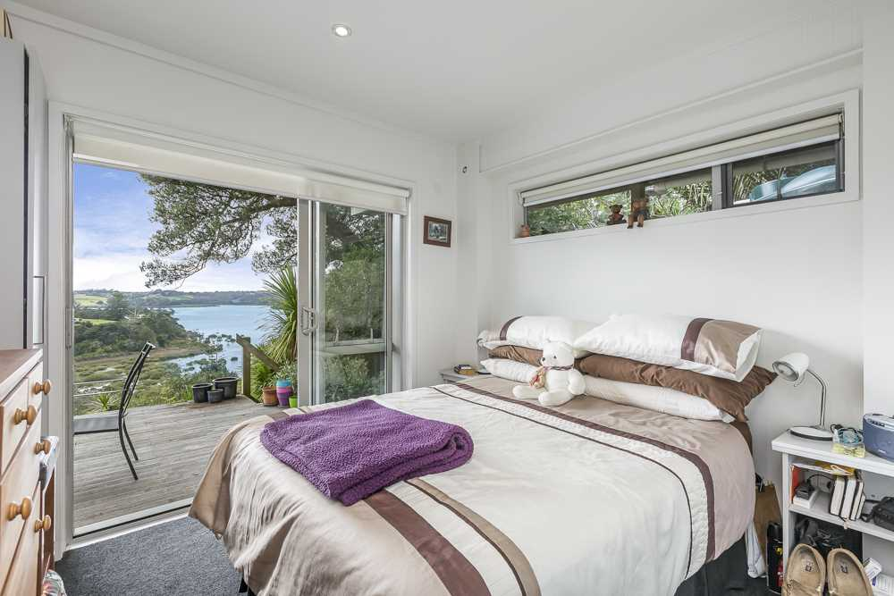 sunrise view bedroom and ensuite