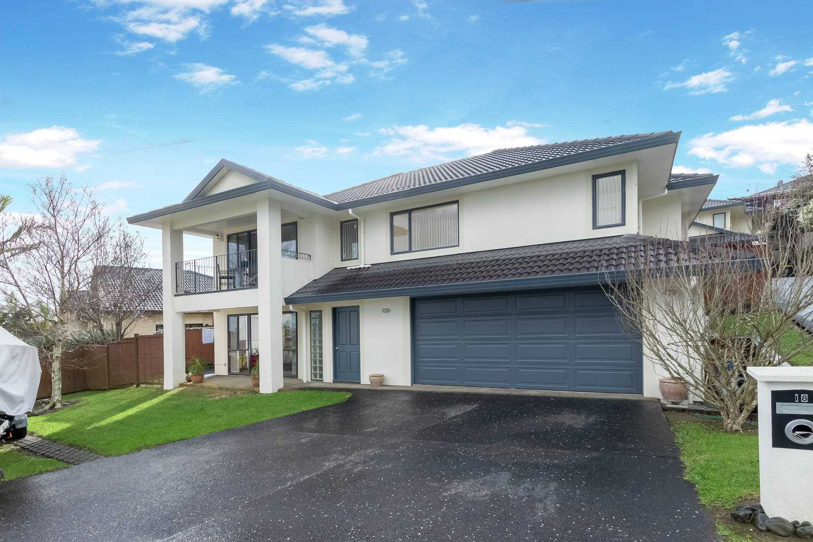 Stunning 3/4 Bedroom Family Home with Views