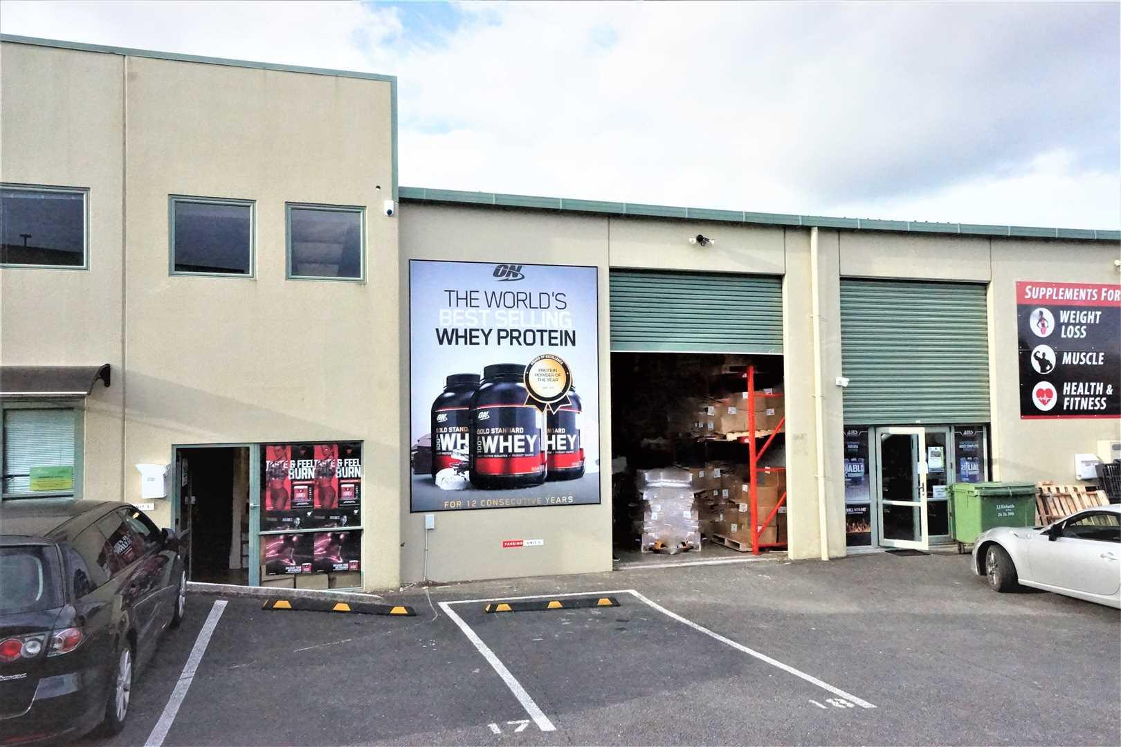 Westgate Warehouse Unit -163m²