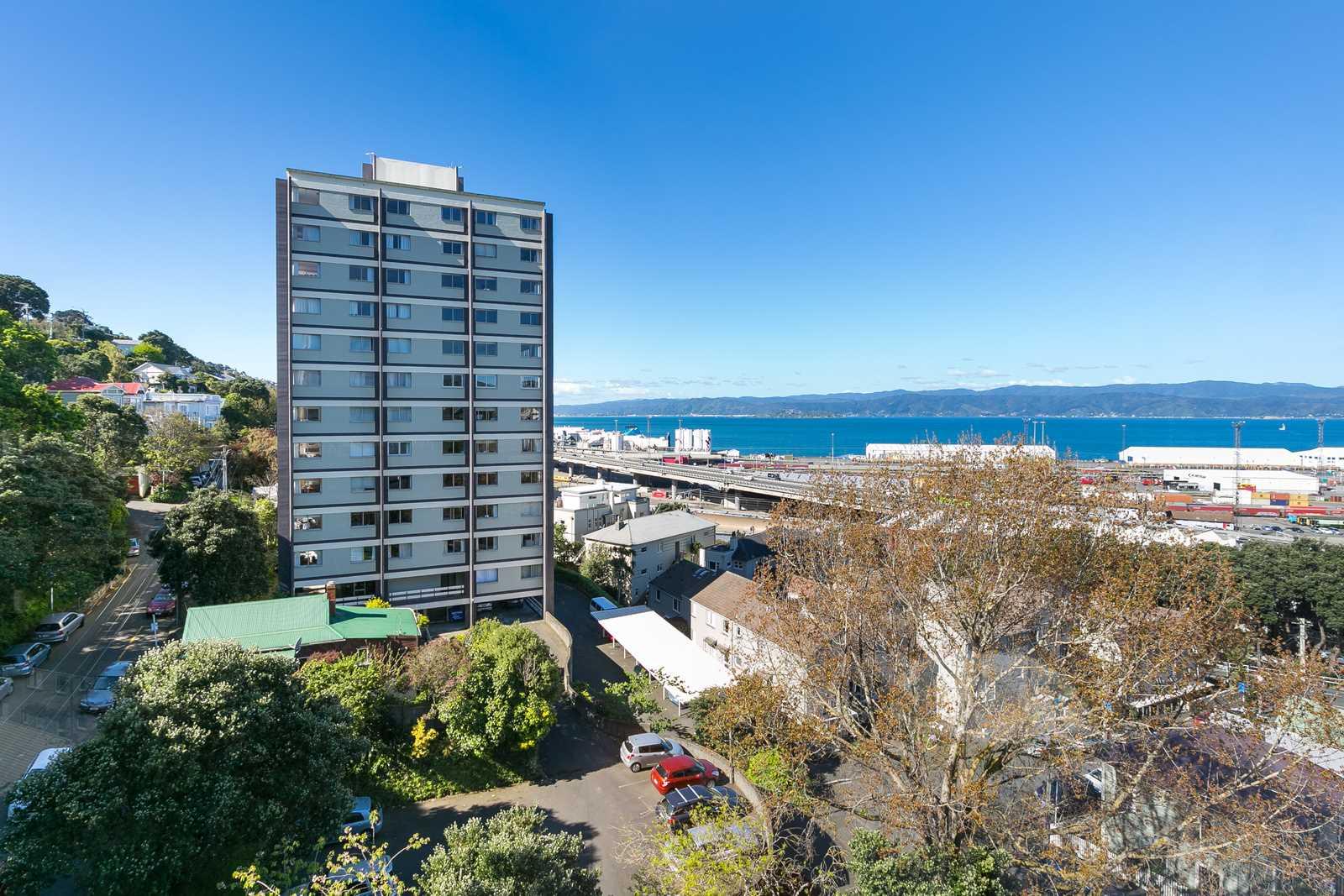 Corner Apartment With Superb Sea Views