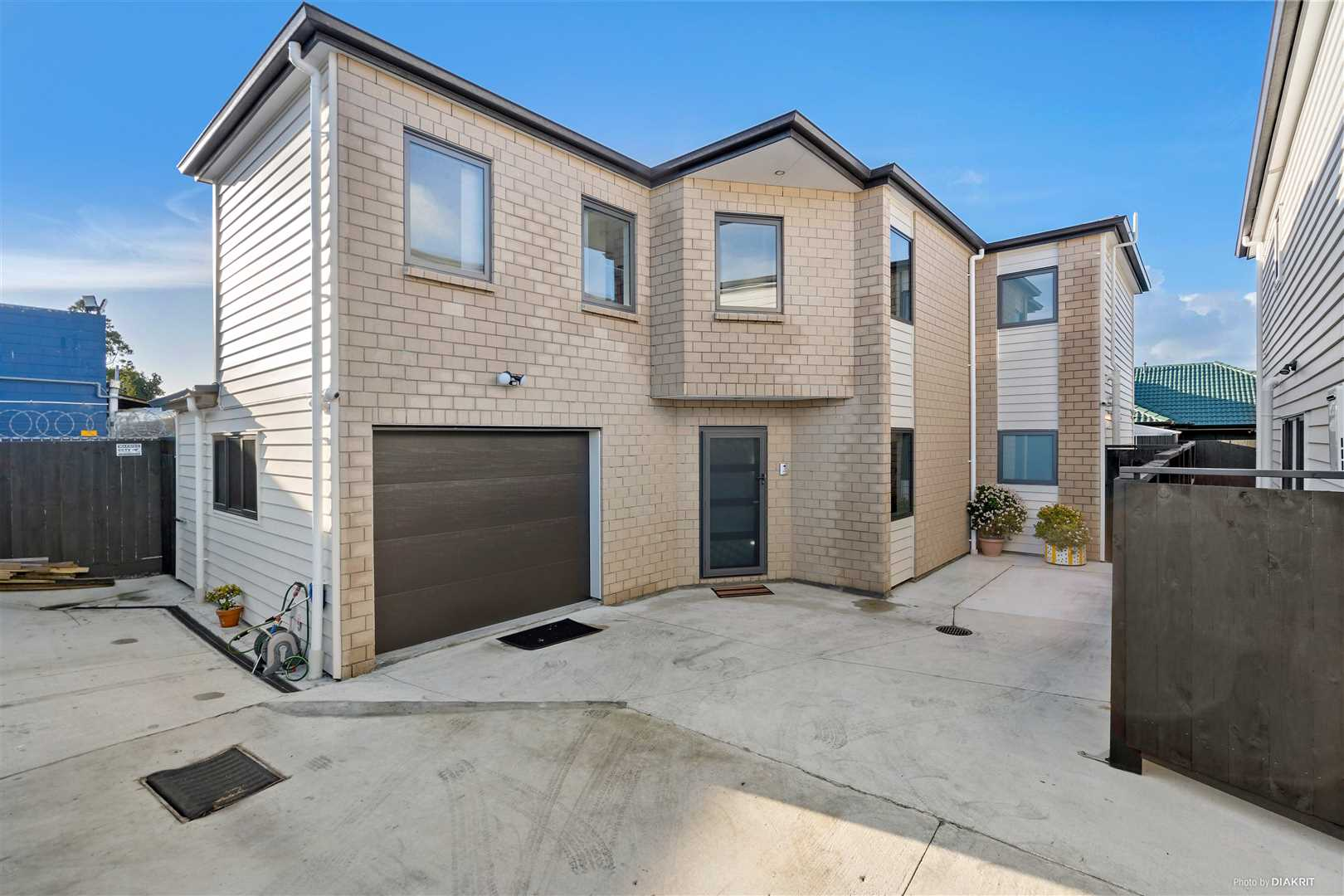 Nearly New In The Heart Of Papatoetoe!!!