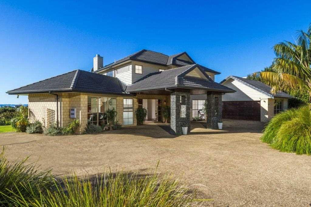 Welcome to 121 Wade River Road, Stanmore Bay.