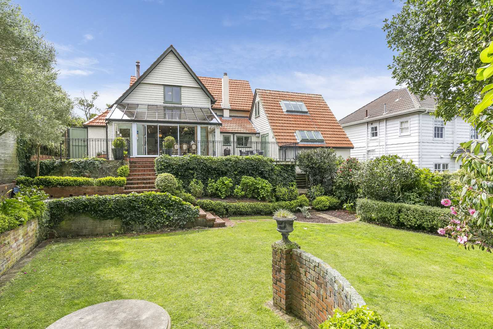 Grand Family Home with Glittering Harbour Views
