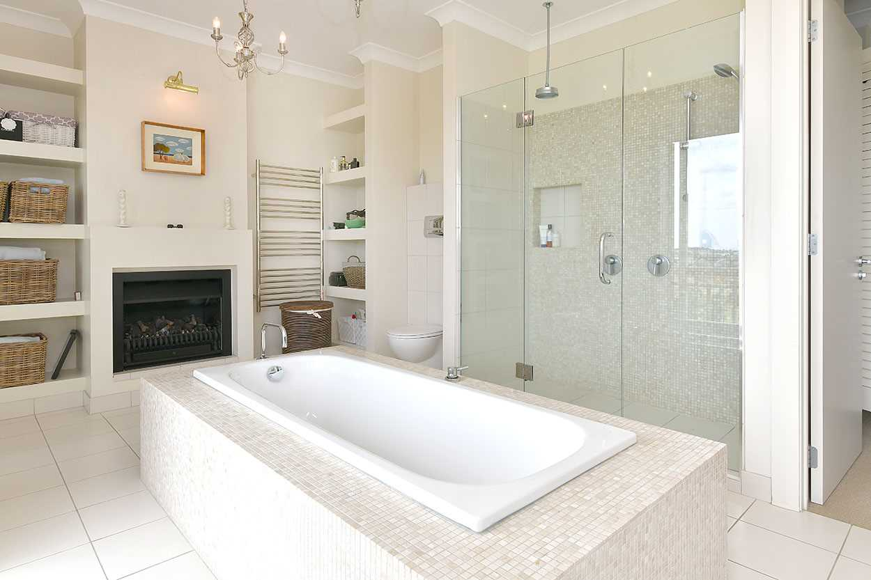 ... and a stunning ensuite that is one of the best I have seen.