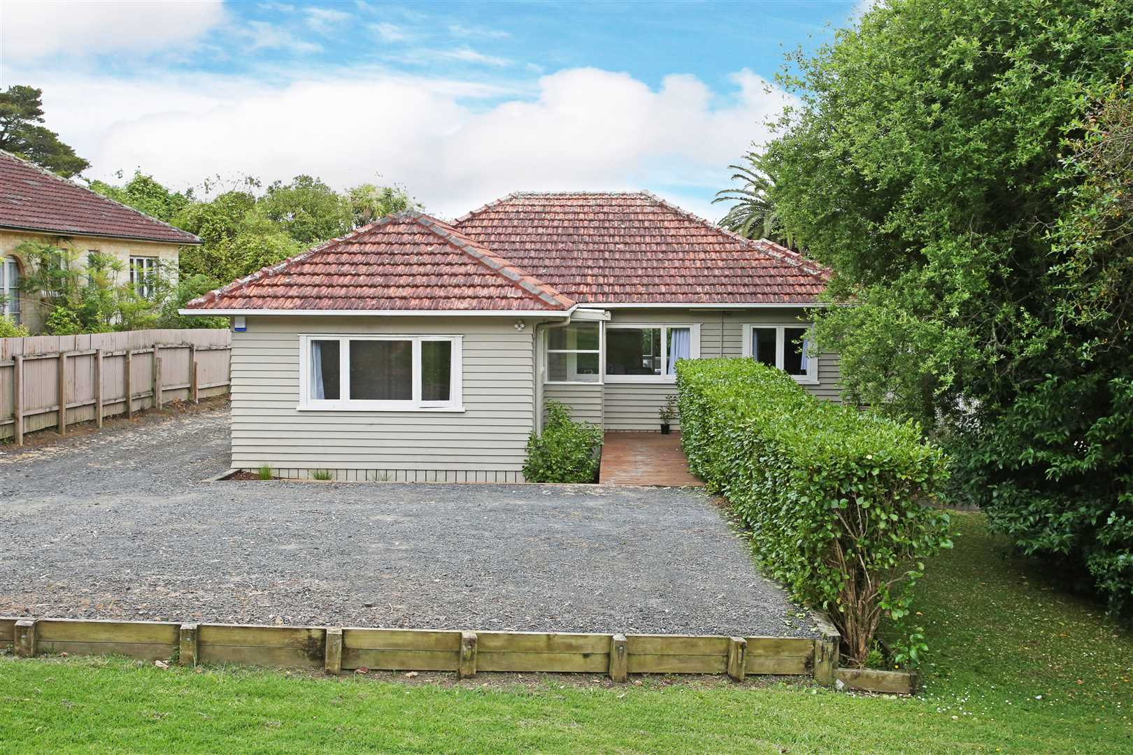 High Potential,  Home, Develop or Both!- 1014 sqm