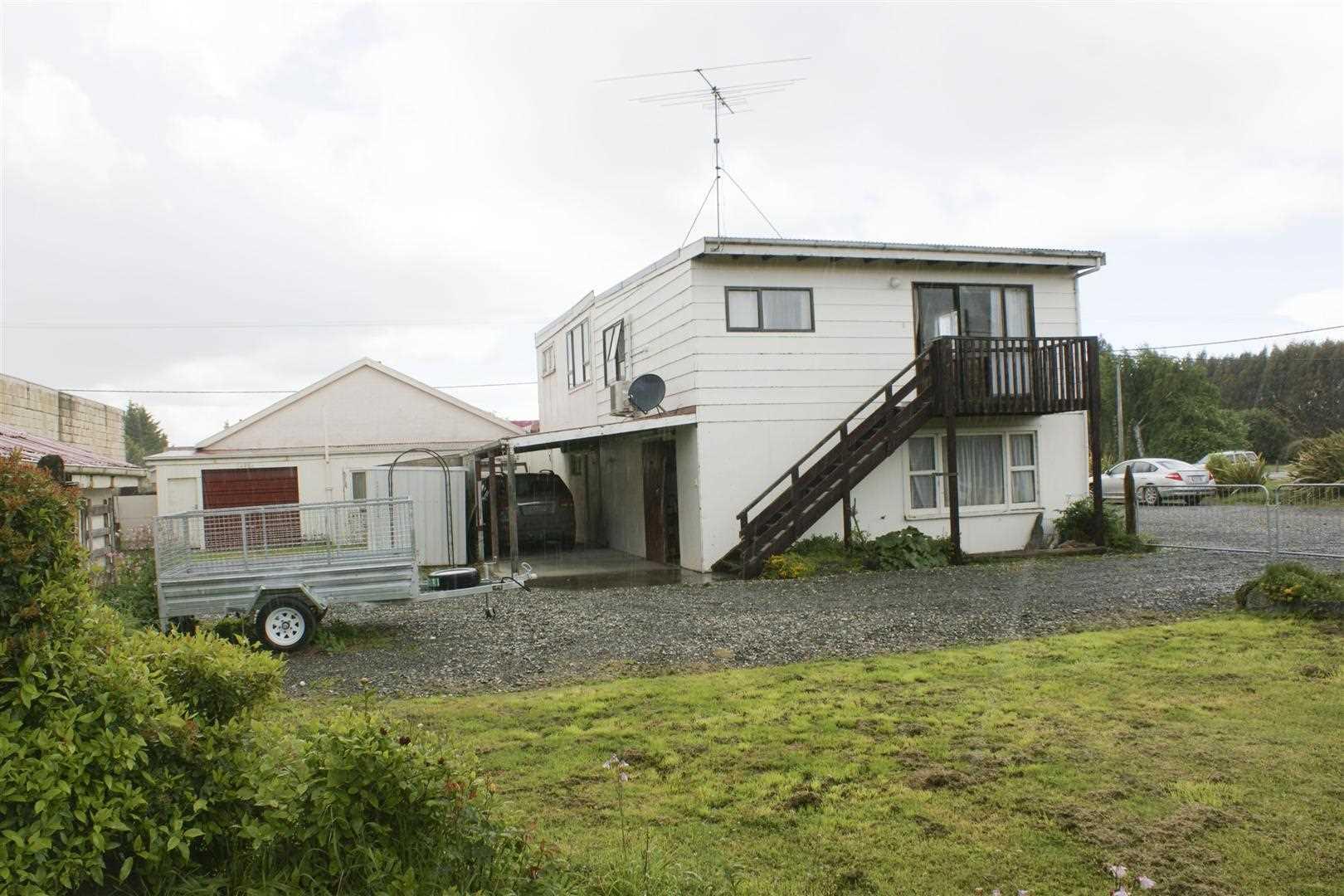 Balfour - 2 Bedroom House, Car Shed & Car Port