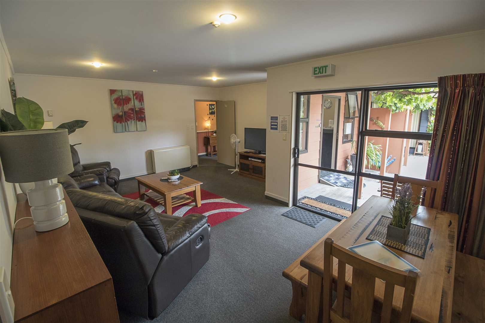 Three Bedroom Apartment - Sleeps 7