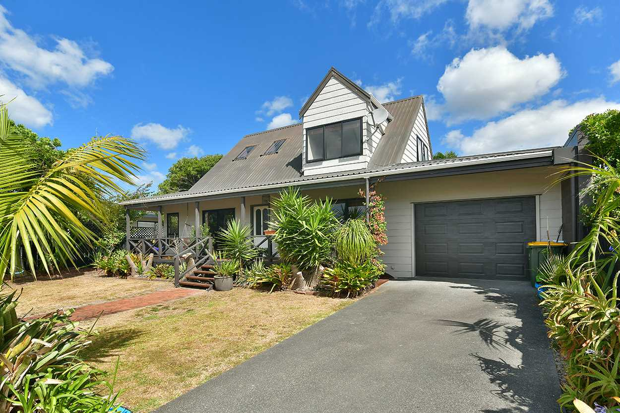 Family Home Flat of Orewa