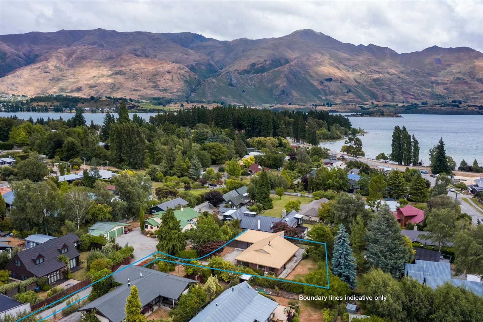 "Heart Of Wanaka's ""Golden Triangle"""