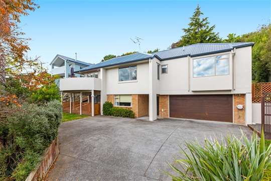 52 Little John Drive, Bellevue