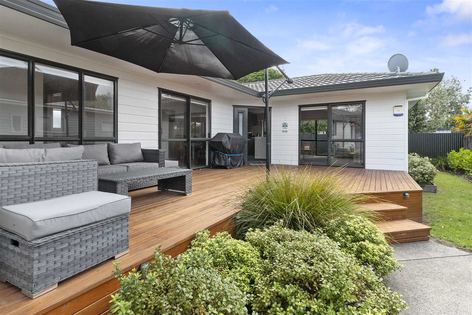 207b The Square, Whangamata