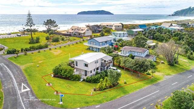 98 Ocean Beach Rd, Tairua