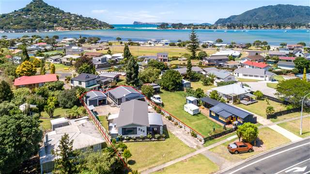 256 Main Road, Tairua
