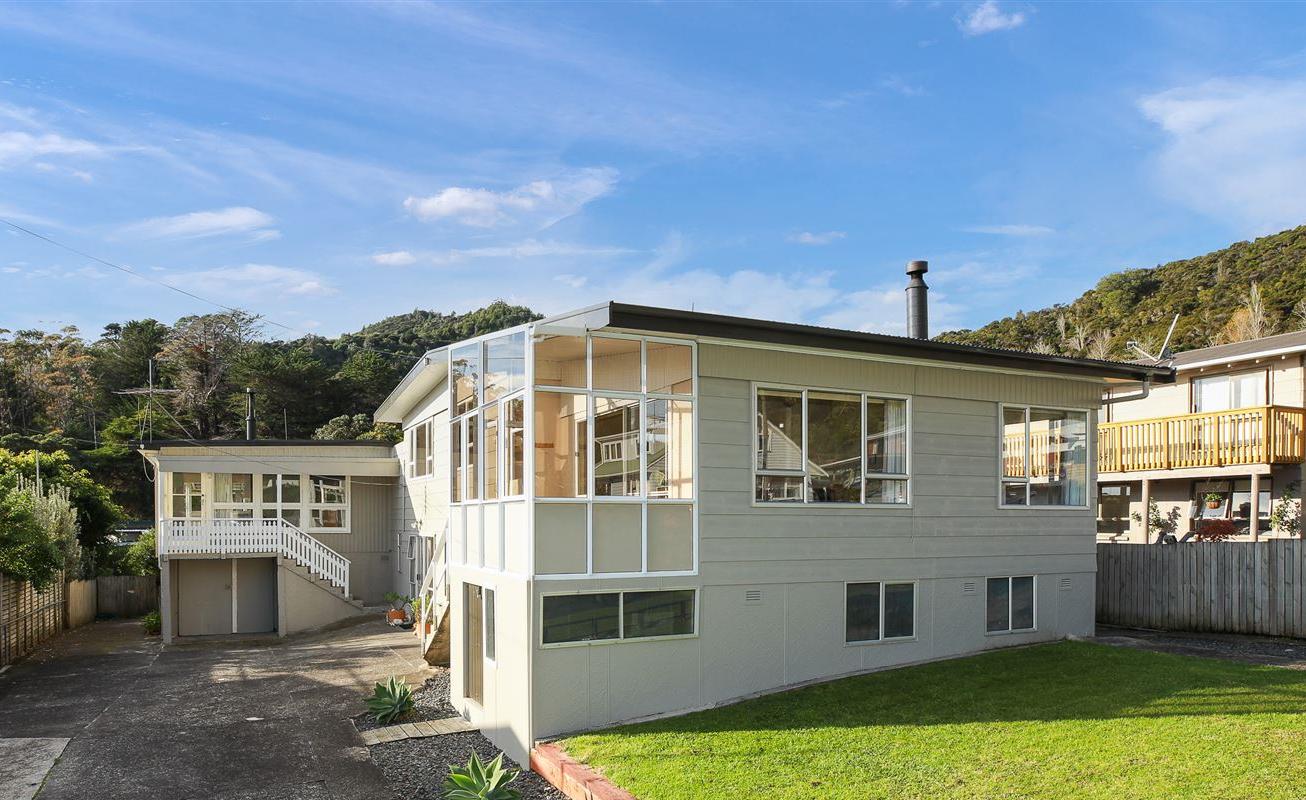 9A and 9B Firth View Road, Te Puru